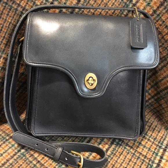 Coach Handbags - Coach Vintage Black Shelton Bag